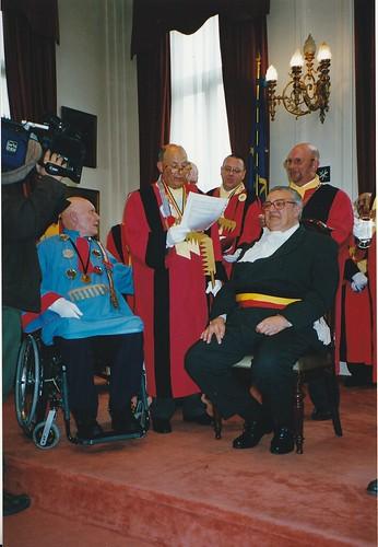 Rencontre internationale des chauves, juin 2001. Réception à l'Hôtel de Ville d