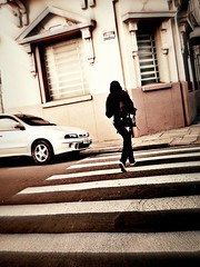 enfrente n (all in .) Tags: city pink girls red sky orange sun green boys colors smile cores children fun happy eyes pessoas faces folk centro portoalegre retro indie sabado rs chimarro ruadapraia predios gasometro urbanos terrao sorrisos rostos gurias praas rol quento casadeculturamarioquintana