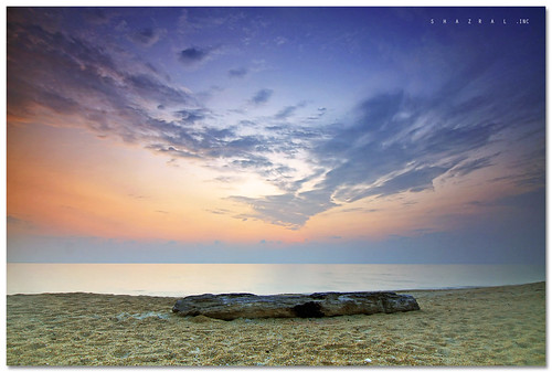 Sunrise at Batu Rakit Beach by SHAZRAL.