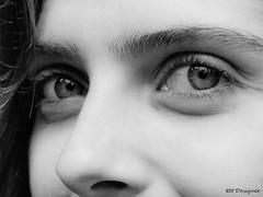 Olhar - Glance (rbpdesigner) Tags: brazil bw white black eye southamerica look branco closeup brasil riodejaneiro america blackwhite eyes olhar amrica br rj cidademaravilhosa catete minolta noiretblanc olhos pb preto bn ojos a1 dimage glance pretoebranco negre brsil window2thesoul amricadosul windowtothesoul minoltadimagea1  amriquedusud amricadelsur sdamerika   repblicafederativadobrasil wonderfulcity americameridionale ciudadmaravillosa gneyamerika schwarzundweis  merveilleuseville meravigliosacitt wunderb