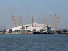 Millenium Dome from Greenwich (ccr_358) Tags: uk greatbritain england white london water yellow thames architecture modern river unitedkingdom greenwich o2 millenium arena dome gb riverthames londra granbretagna regnounito milleniumdome inghilterra londinium o2arena ccr358