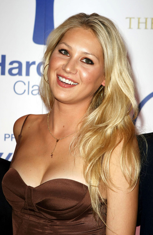 Anna Kournikova – Hardbat Classic VIP After Party - beautiful girls
