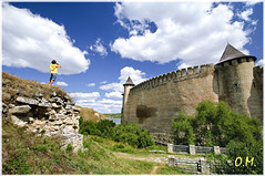The Khotyn Fortress /   (OleksiyM) Tags: city trip travel light summer vacation sky people cloud holiday building tower castle heritage history nature wall museum architecture clouds wonder landscape nationalpark construction arquitectura nikon europe tour ukraine fortaleza fortification paysage stronghold fortress castello castillo burg ua forteresse worldheritage  d300 zamek historicalsites      1621  sobieski  wiea   musum 1673   chocim oekrane khotyn cossaks  flickraward  khotin hotyn platinumheartaward  ukrainie  battleofkhotyn petrokonashevych