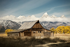 (scifitographer) Tags: park autumn mountain fall barn canon nationalpark october grand row national mormon wyoming grandtetons aspen tetons 2009 grandtetonsnationalpark canon2470mml mormonrow moultonbarn bethanthony 5dmkii lovely~lovelyphoto retroreflectography