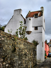 The Study, Culross (mcgin's dad) Tags: fife culross thestudy canondigitalixus70 flickrestrellas