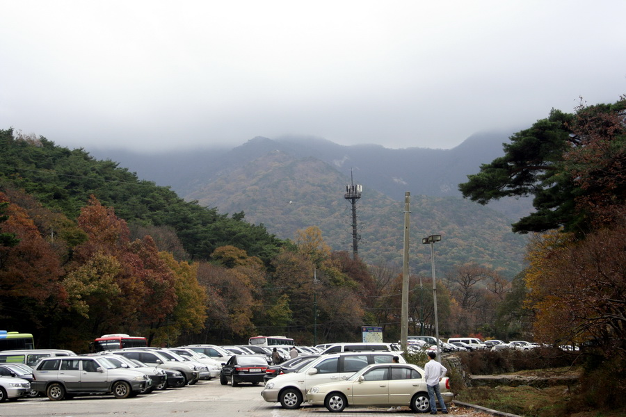 Gyerongsan Mt (parking lot at Gapsa Temple)