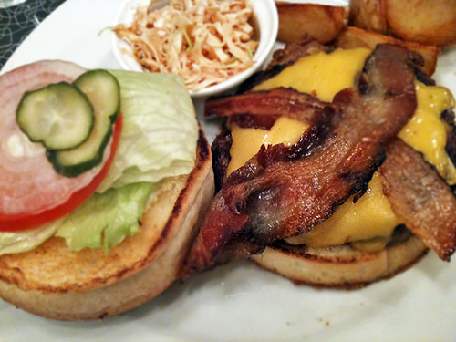 BACON CHEESE BURGER Baker Bounce 01