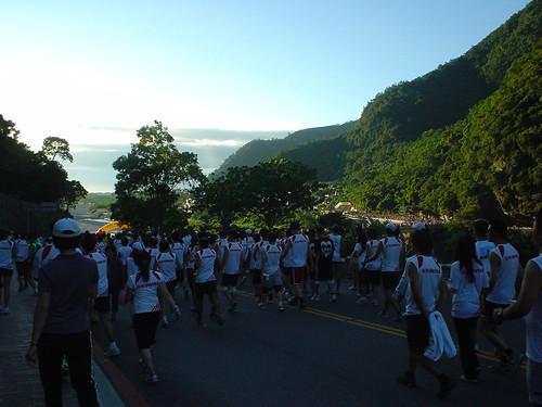09.眾選手準備出發至起跑線
