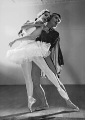 Tamara Toumanova & Serge Lifar, Swan Lake, Sydney, 1939-1940 / photographed by Max Dupain (State Library of New South Wales collection) Tags: french swan ballerina dancers silk prince velvet american cloak pointe prima russian ukrainian etoile tutu principal ballerinas balletdancer lelacdescygnes photographicstudio statelibraryofnewsouthwales balletrusse maxdupain xmlns:dc=httppurlorgdcelements11 balletsrusses originalballetrusse debasilcompany dc:creator=httpnlagovaunlaparty677067 balletacrossthecommons