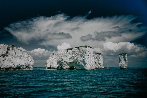 フリー画像| 自然風景| 岩山の風景| 海の風景| 雲の風景|       フリー素材|