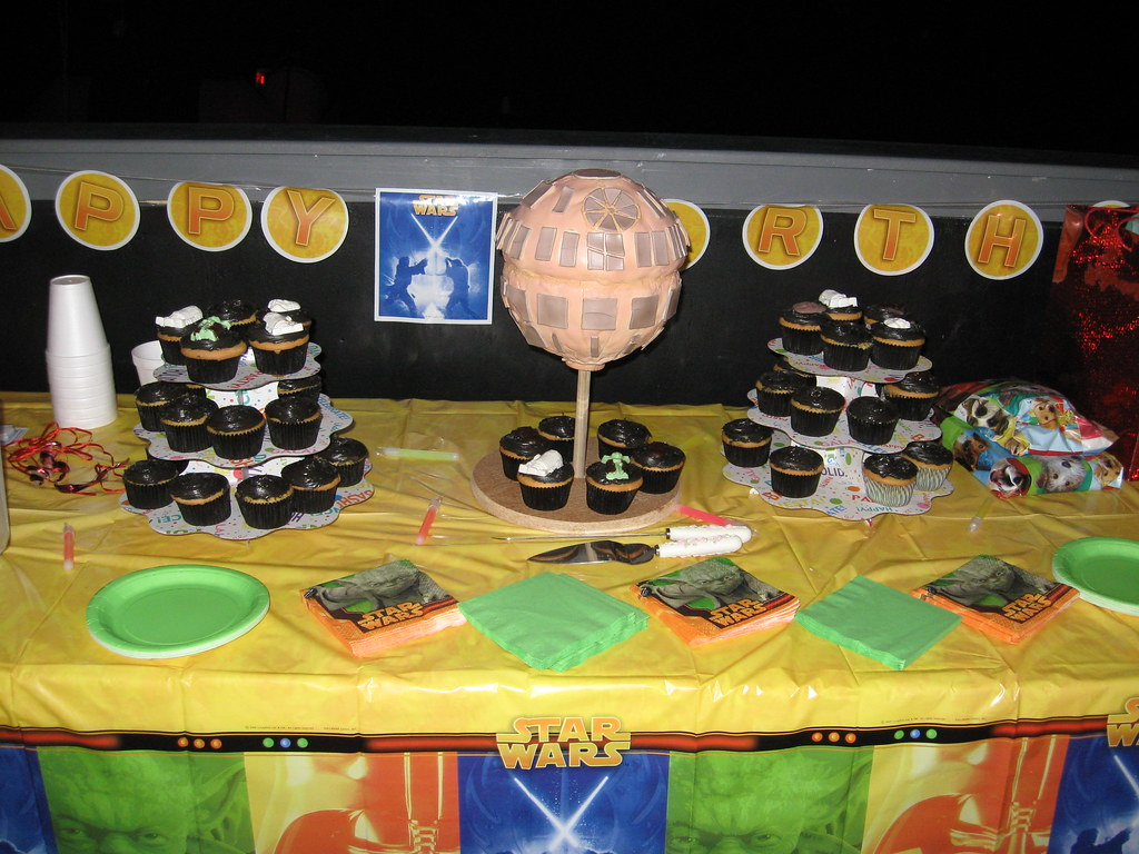 Star Wars Imperial Death Star dominates the cake table