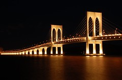 ...... Sai Van Bridge (Rosanna Leung) Tags: bridge sea night macau    taipa  saivanbridge  pontedesaivan
