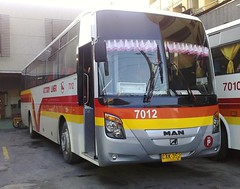 Close Up: VLI 7012 (Api II =)) Tags: man bus victory universe liner kamias cvl 7012 vli almazora 18280