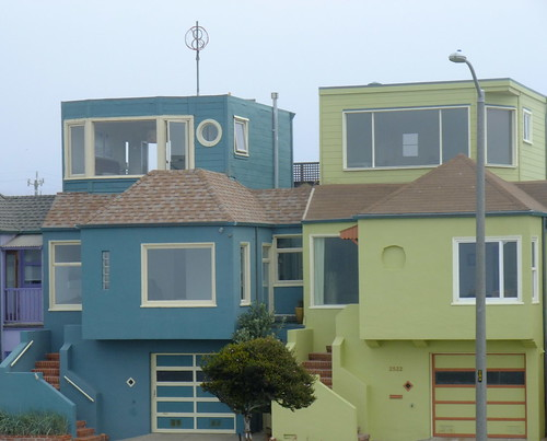 Architecture of the Outer Sunset along the Great Highway 7.5