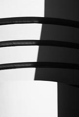 nose (Klein Geilein) Tags: shadow blackandwhite usa ny newyork schatten guggenheimmuseum dunase