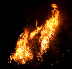 fire is beautiful (mccannta) Tags: california night dark fire smoke flame forestfire southerncalifornia brushfire wildfire angelesnationalforest flintridge lacanada lacresenta 24105mm pfff stationfire canonxsi primevalforestgroups pffire pfhell