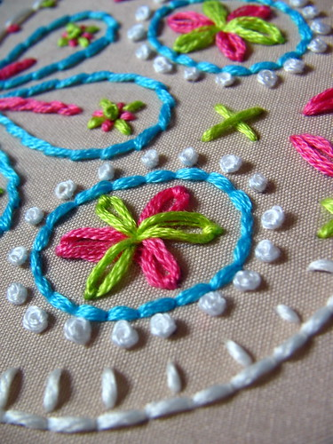 french knots & lazy daisies
