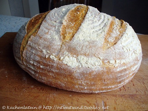 Homemade rustic country loaf 002