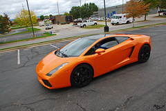 Lamborghini Gallardo (Matthew Britton) Tags: auto park orange car nikon g kansas nikkor lamborghini v10 gallardo overland lambo 18135mm d40x