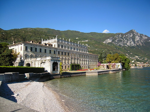 Lake-front view of the gorgeous Villa Bettoni, which also includes a Baroque garden on the other side.