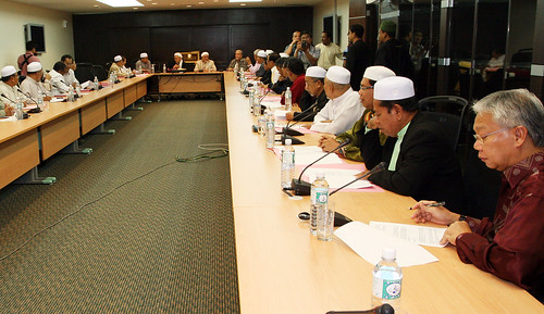Kuala Lumpur 28/10/2009 -- Pas vice President, Datuk dr. Hassan Ali seat at the end of meeting corrum after he attend the PAS Special meeting at the PAS HQ.  Pic by Osman Adnan