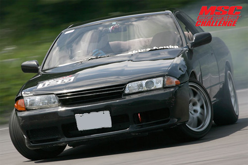 Alexis old R32 causing a commotion.