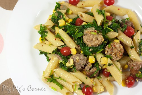 Spiced pasta with sausages