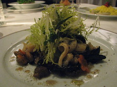 Frisee salad with mushrooms (special)