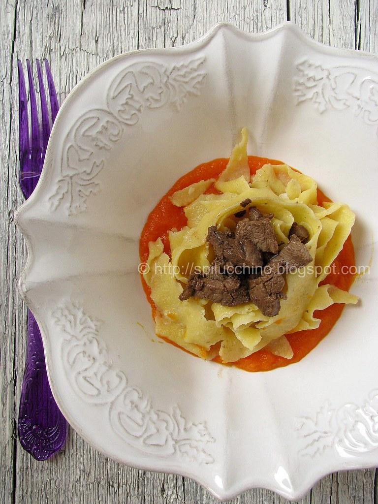 Pappardelle con anatra, carote e arancia