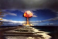 [フリー画像] [戦争写真] [キノコ雲] [爆発/爆破] [煙/スモーク] [原子爆弾] [カノープス] [ファンガタウファ環礁]    [フリー素材]