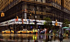 :-) (Ken Yuel Photography) Tags: manhattan macys rainydays midtownmanhattan 34thandbroadway nycnewyork digitalagent kenyuel yellowcabsreflections
