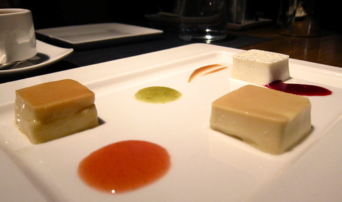 Estudio en flan - three different styles of the classic dessert, with three complementary sauces