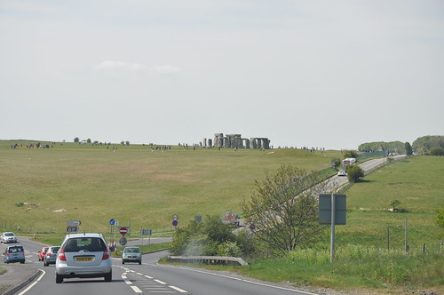 Coming up to Stonehenge