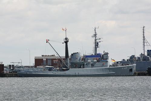 Deutsche Marine: Seeschlepper Klasse 722C FGS A 1451 WANGEROOGE an der Wilhelm-Krüger-Brücke im Marinestützpunkt Wilhelmshaven