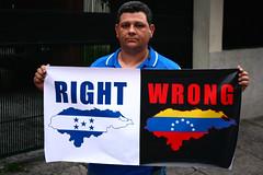 Right | Wrong (jlduron) Tags: venezuela honduras explore bandera tegucigalpa mapa oea jlduron crisishn crisisenhonduras hondurasexplore