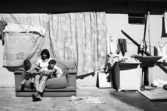 Family (Canuto Santos) Tags: family branco children child mulher preto shirts e moça criança niño ghetto roupas familha