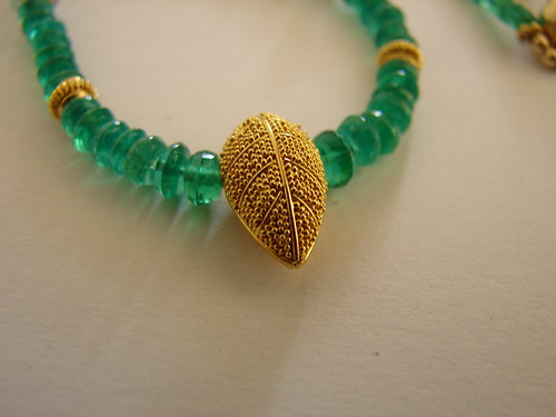 créaJR 6429 Genuine emerald beads, aquamarine and 22k solid gold necklace