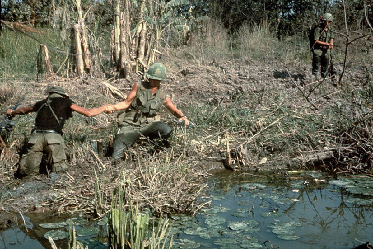 pro vietnam war essay Here is your essay on the us war in vietnam the us started building south vietnam as an independent state under the dictatorial and corrupt rule of ngo dinh diem.