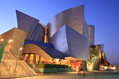 Walt Disney Concert Hall (enfi) Tags: california city travel light usa architecture night america frank geotagged la hall los concert arquitectura nocturnal angeles low tripod gehry disney clear orchestra owen walt philharmonic waltdisneyconcerthall wdch downtownlosangeles explored of