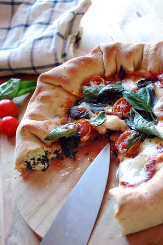 pizza rellena por Pepekitchen.com.