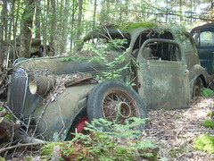 DSCN3697 (ironartforge) Tags: abandoned rust decay plymouth rustycars 1937plymouth rustyplymouth