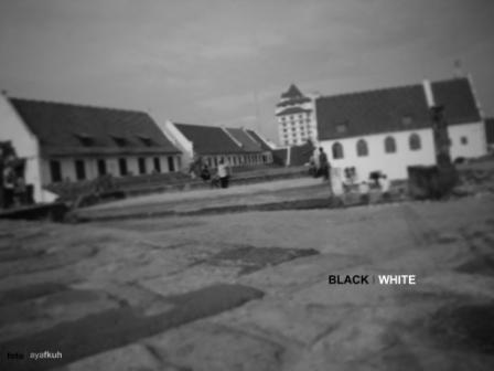 black I white