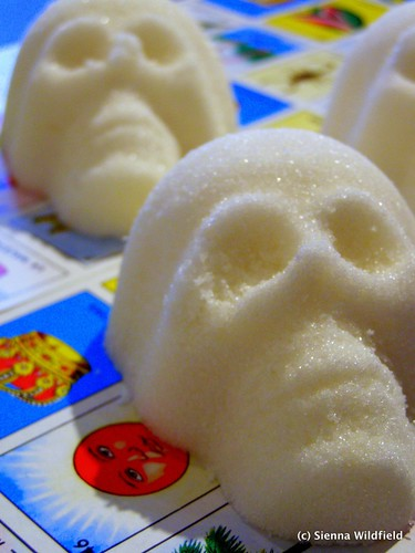 Making Mexican Sugar Skulls1