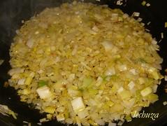 Filloas verdes-pochar puerros y cebolla