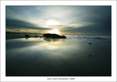 Una calma infinita (Ariasgonzalo) Tags: paisajes beach atardecer landscapes seascapes asturias elite thesea reflexions gaviotas elmar playas reflejos xago abigfave citrit alemdagqualityonlyclub photoshopcreativo