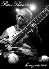 Ravi Shankar (lana jaie photography) Tags: musician band worldmusic digitalslr womad sitar traditionalmusic womadelaide indianmusic ravishankar indianwoman indianman anoushkashankar nikond80 lanajaiephotography