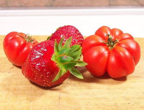 Insalata fragole e pomodori