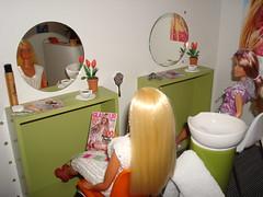 House 2: hair salon (Deejay Bafaroy) Tags: startrek miniatures doll furniture barbie skipper hairsalon coiffeur hairdressers uhura dollhouse dioramas 16scale