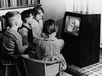 kids_watching_tv