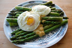 asparagus with poached eggs and miso butter (sevenworlds16) Tags: david cooking dinner recipe miso time first butter asparagus eggs 365 chang momofuku poached forthe project3661 2009yip 3652009 withmiso